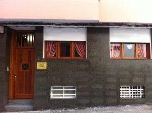 fachada 300x224 - fachada