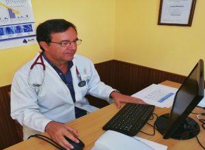 cropped Dr cabrera en consulta 300x220 - cropped-Dr-cabrera-en-consulta.jpg